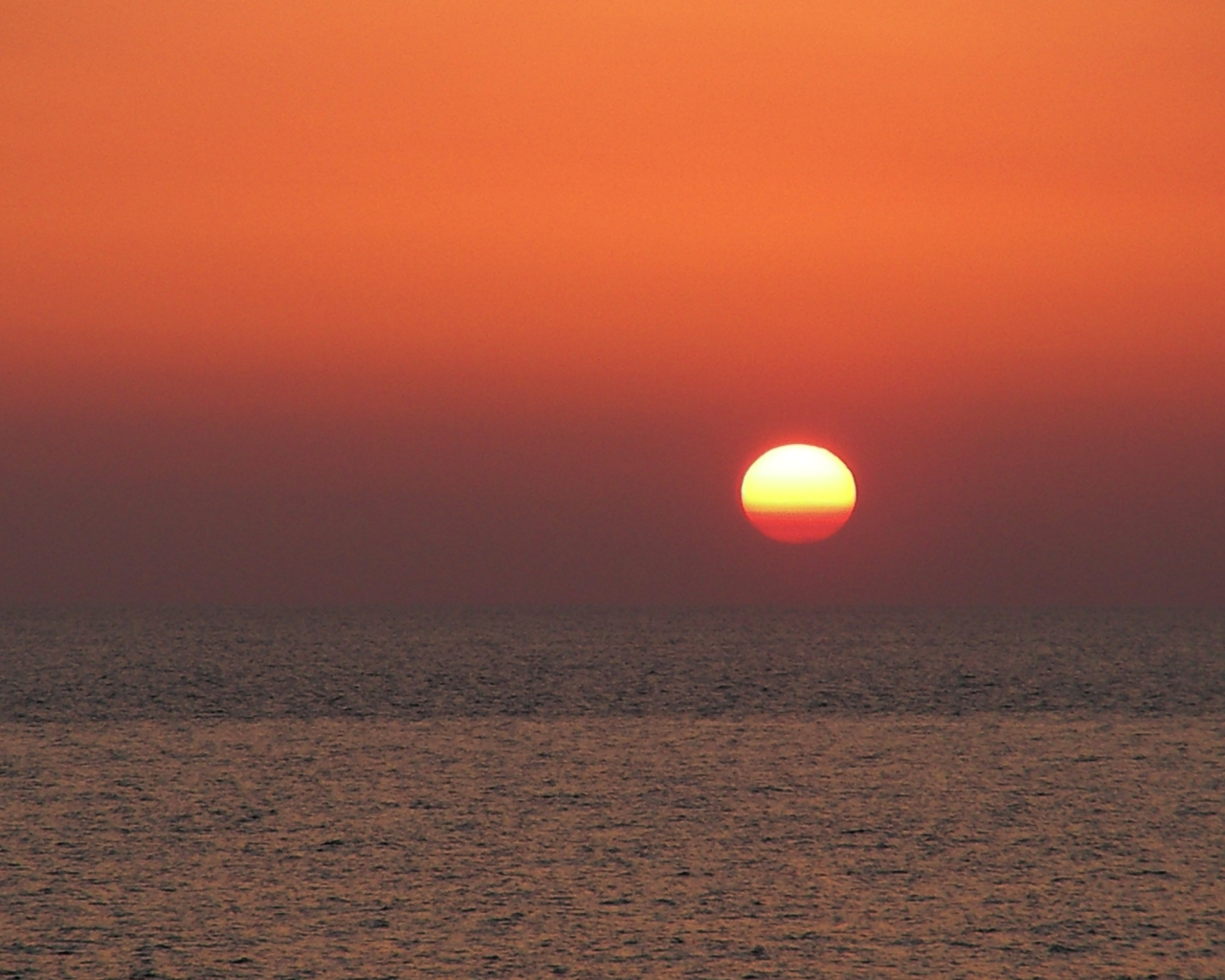 foto al tramonto in Esplosione sul Mare…