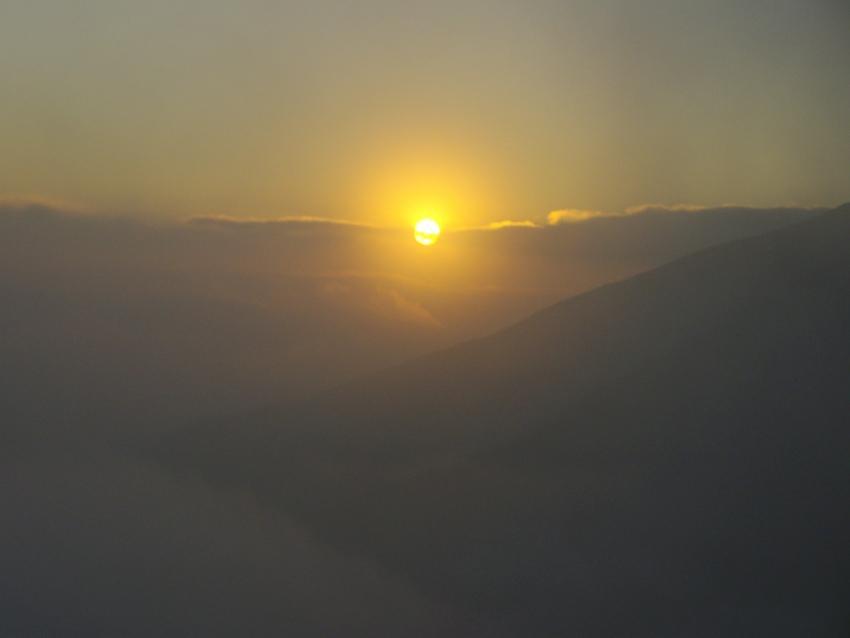 foto al tramonto in Tramonto in Montagna