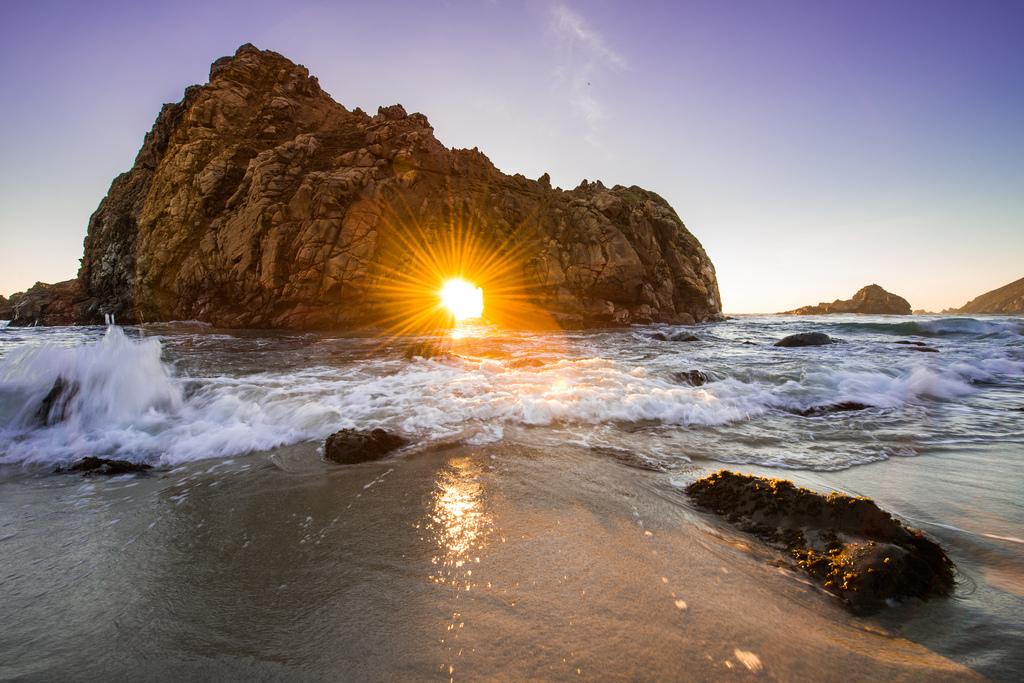 una foto di tramonto dalPfeiffer Beach California ilmiotramonto.com