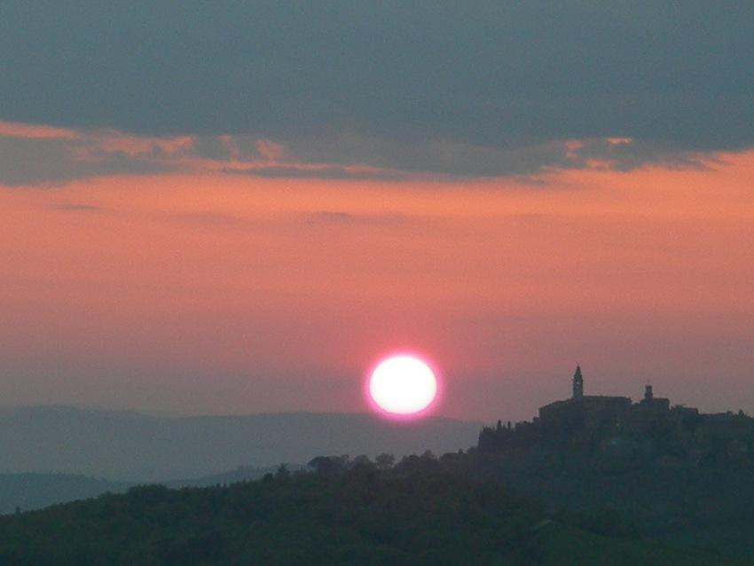 foto al tramonto in Tramonto a Monticchiello / Pienza (SI)