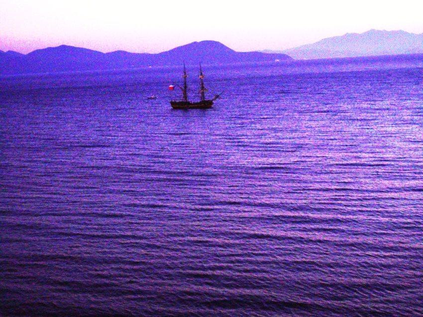 foto al tramonto in E la barca tornò sola al tramonto