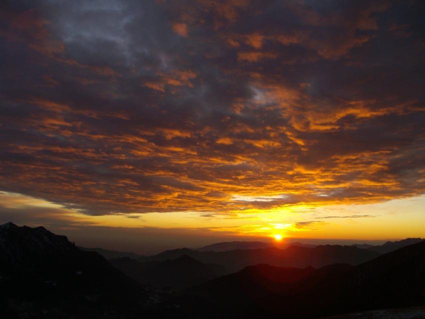 foto al tramonto in il tramonto in montagna (Bergamo)