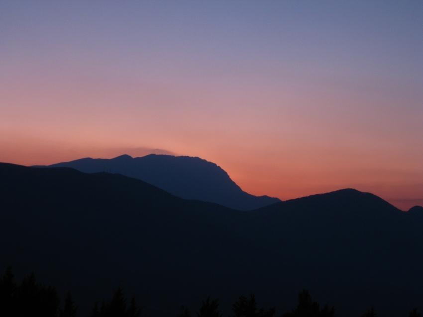 foto al tramonto in Alba di una nuova notte Monte San Cosimo (Prezza)