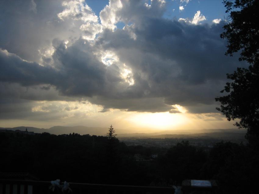 foto al tramonto in tormento nel cielo ma domani sarà meglio!