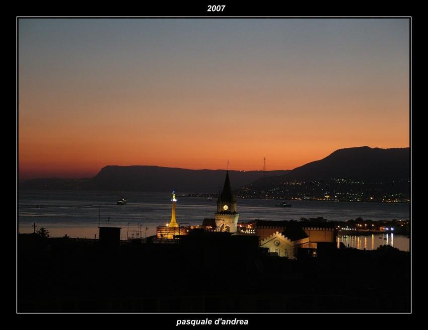 foto al tramonto in ultimi raggi a Messina