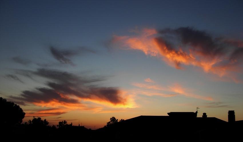 nuvole-colorate-al-tramonto