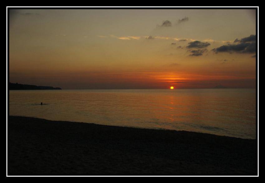 foto al tramonto in tramonto da Tropea