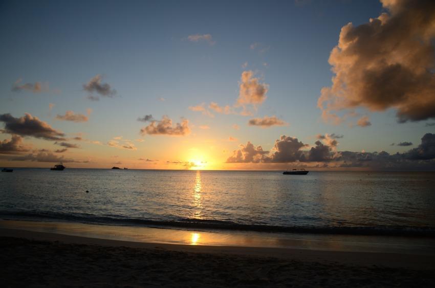 foto al tramonto in Un Tramonto caraibico da Antigua