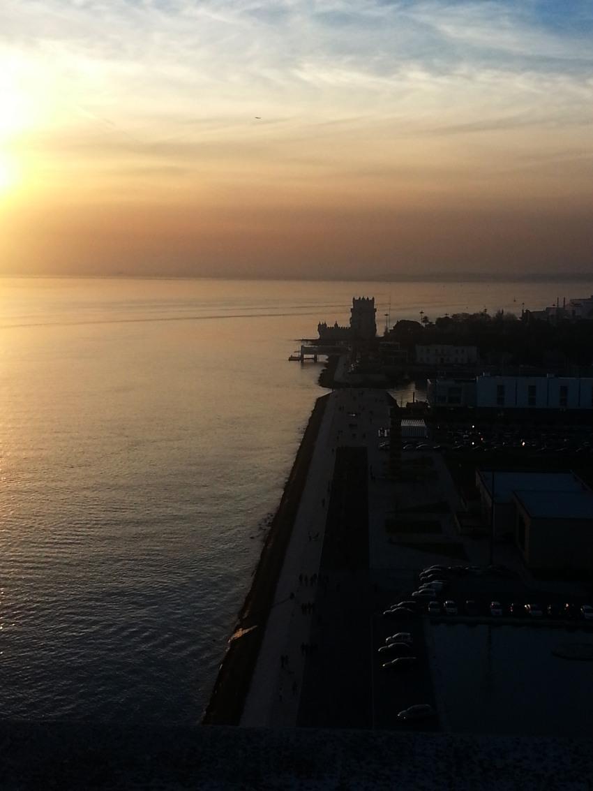 tramonto sull'oceano Atlantico da Lisbona fot di tramonti sul mare immagini al tramonto Lisbona Portogallo