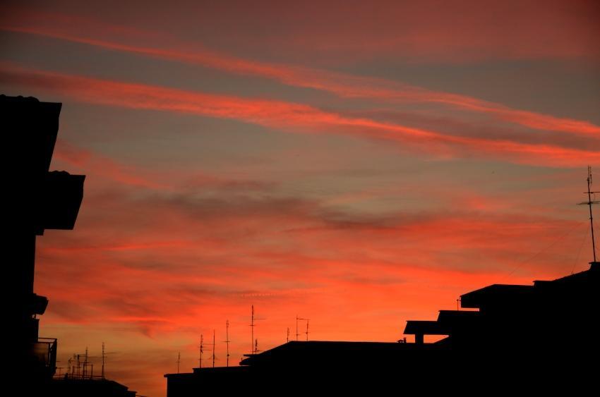 tramonto-rosa-in-citta