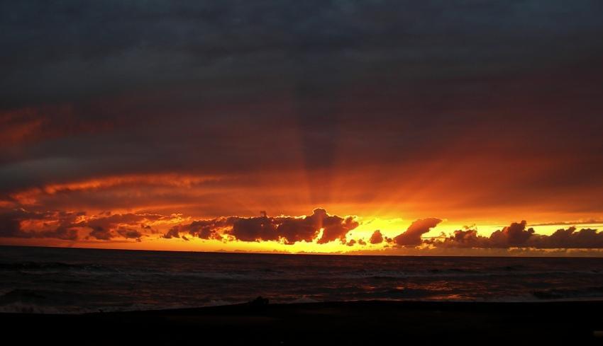 foto al tramonto in Red Sea (2) ancora il tramonto che colora il mare