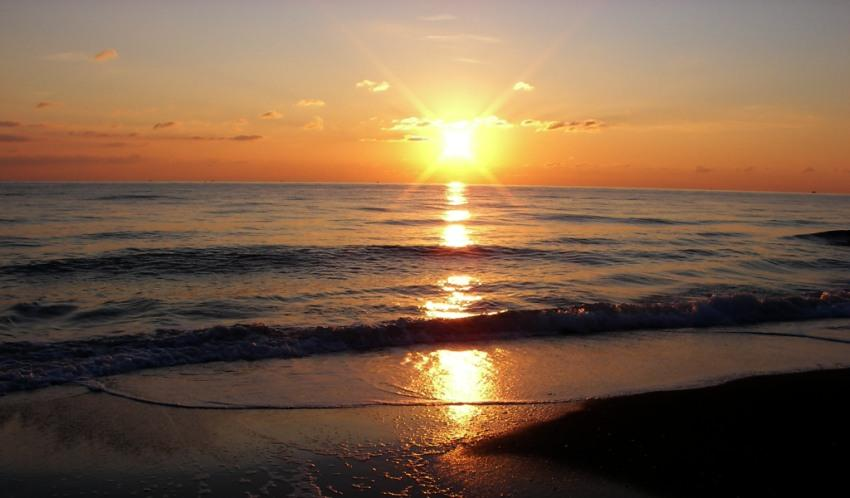 foto al tramonto in Secondo particolare dell primo tramonto disponibile del 2009