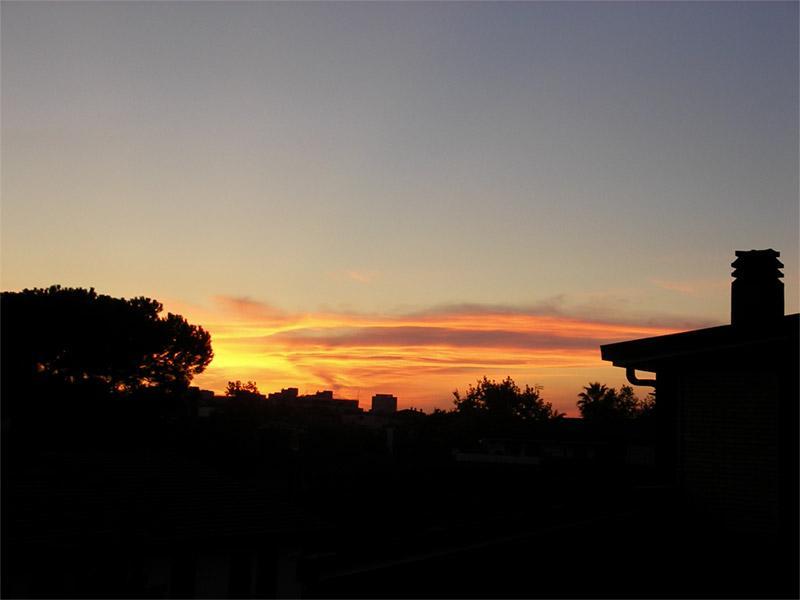 tramonto cittadino dai colori pastello…suggestivo