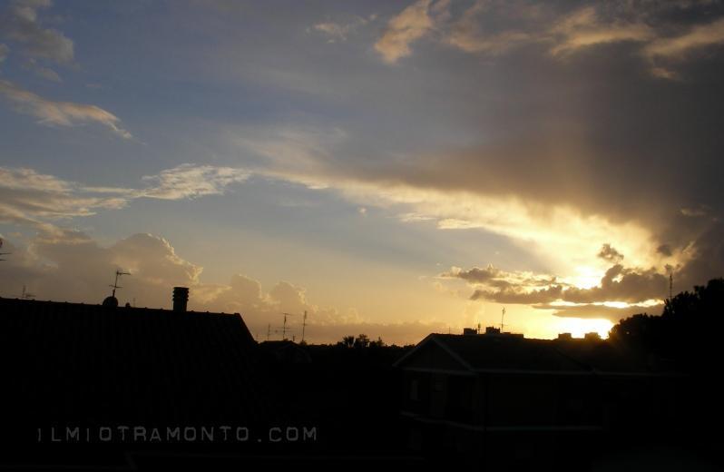 altro particolare del tramonto prima della tempesta