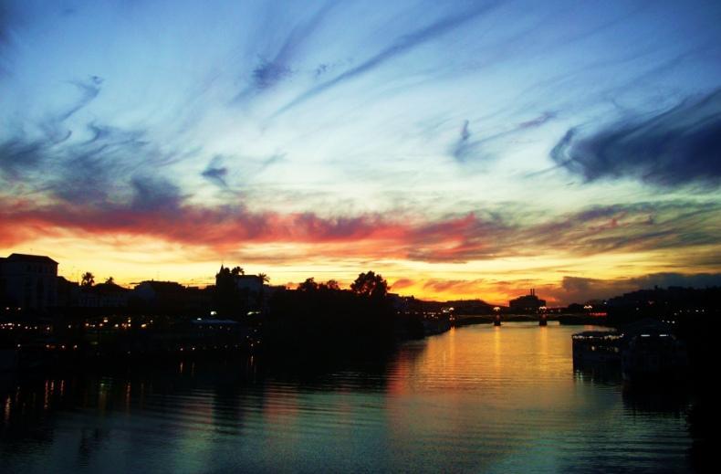 tramonto in città frasi sull'amore e il tramonto dal tramonto all alba frasi immagini tramonto Siviglia Spagna