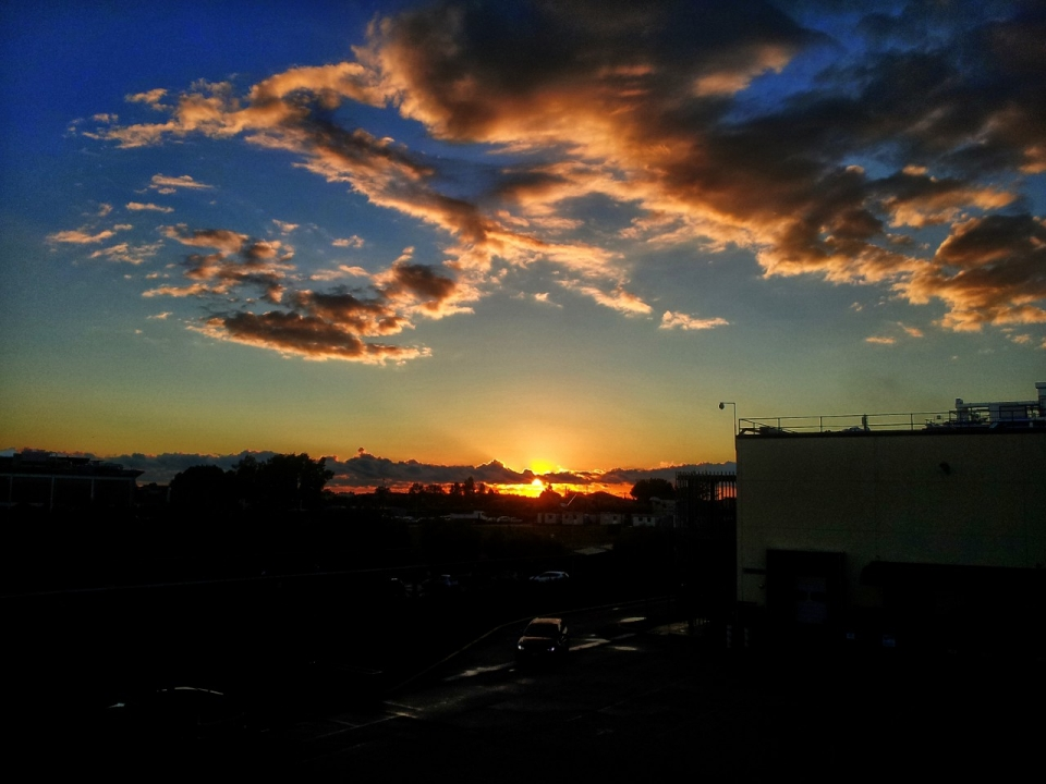 foto al tramonto in Un cuore al tramonto su Aprilia (Latina)