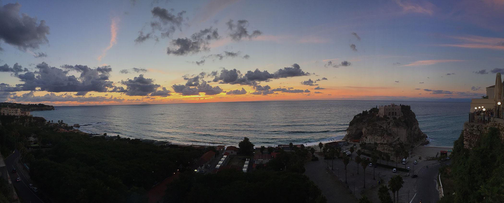 foto al tramonto in Foto al #tramonto da Tropea